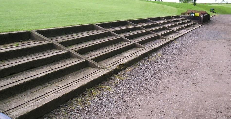 Traviesas de tren traviesas de madera para jardin for Galpon de madera para jardin